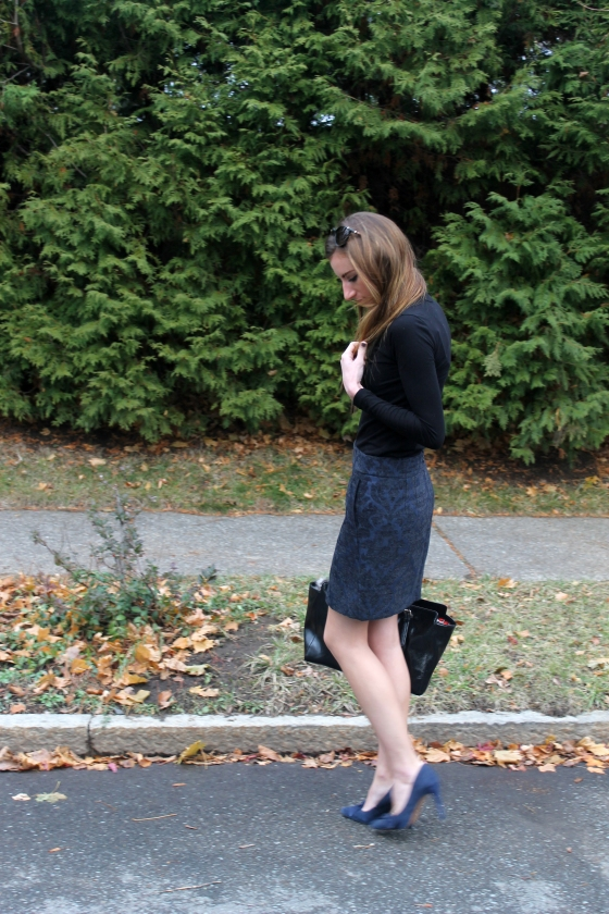 {Holiday Style} Jacquard Skirt & Bow Pumps